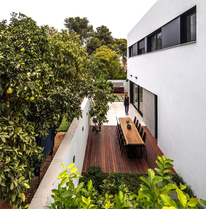 semi detached house remodeled amitzi architects 12