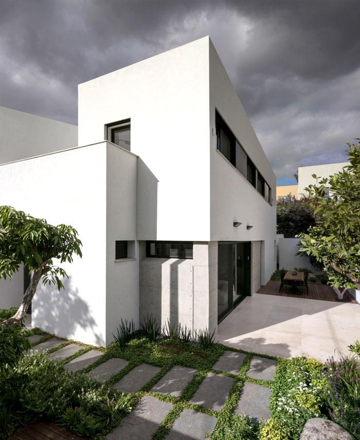 semi detached house remodeled amitzi architects 13
