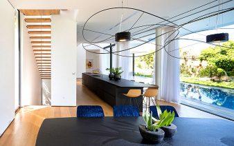 L shaped house 338x212