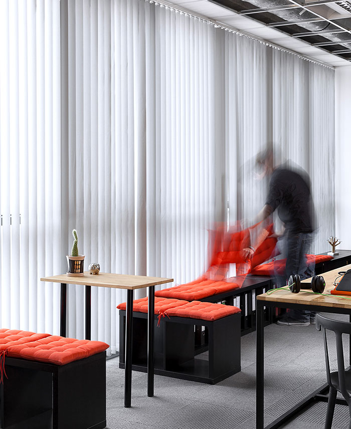 advertising agency office cache atelier 13