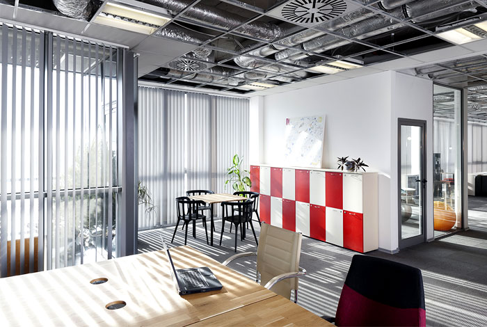 advertising agency office cache atelier 5