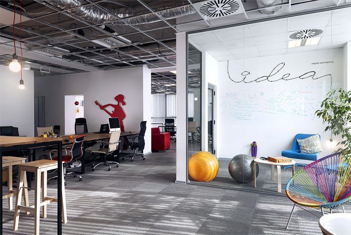 advertising agency office cache atelier 7