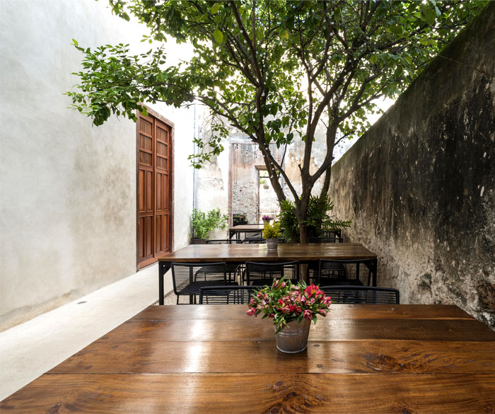 colonial house recovery nauzet rodriguez 18