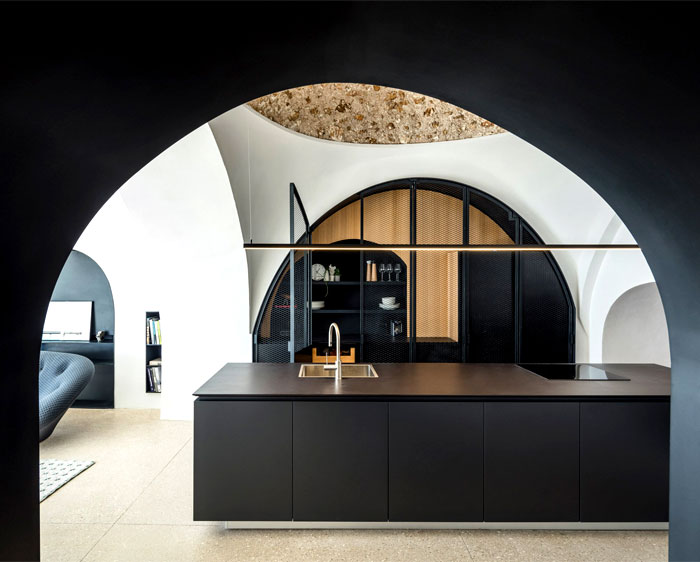 modern cave dwelling pitsou kedem 7