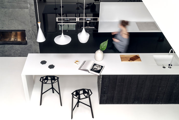 Minimalist House Interior In Black And White Decor