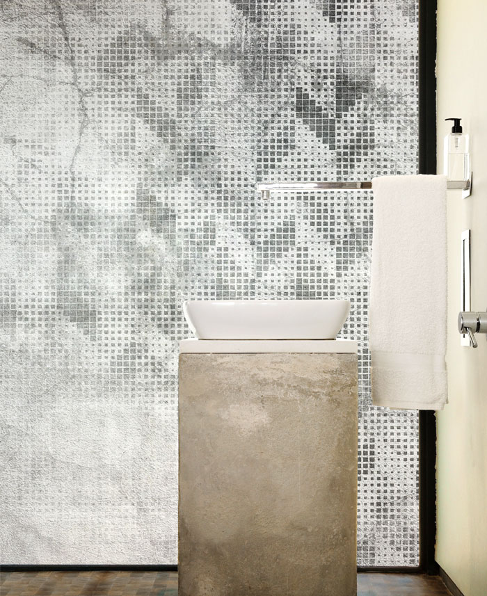 instabilelab wallpaper bathroom 1