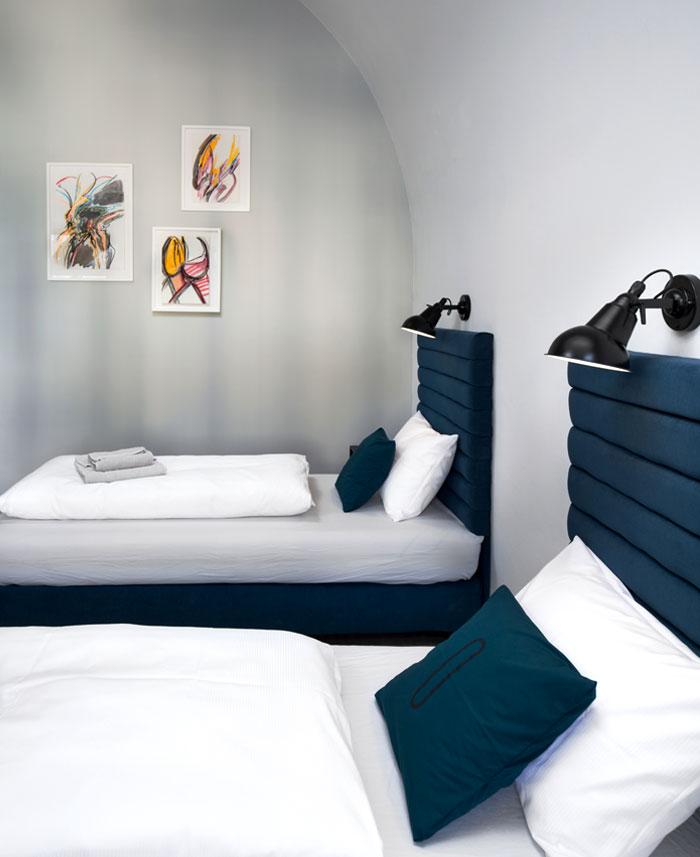 hostel long story short 4