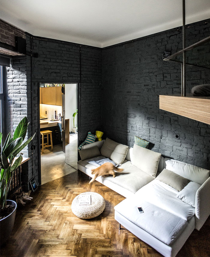 Cozy Apartment with Small Yard and Light Contemporary ...