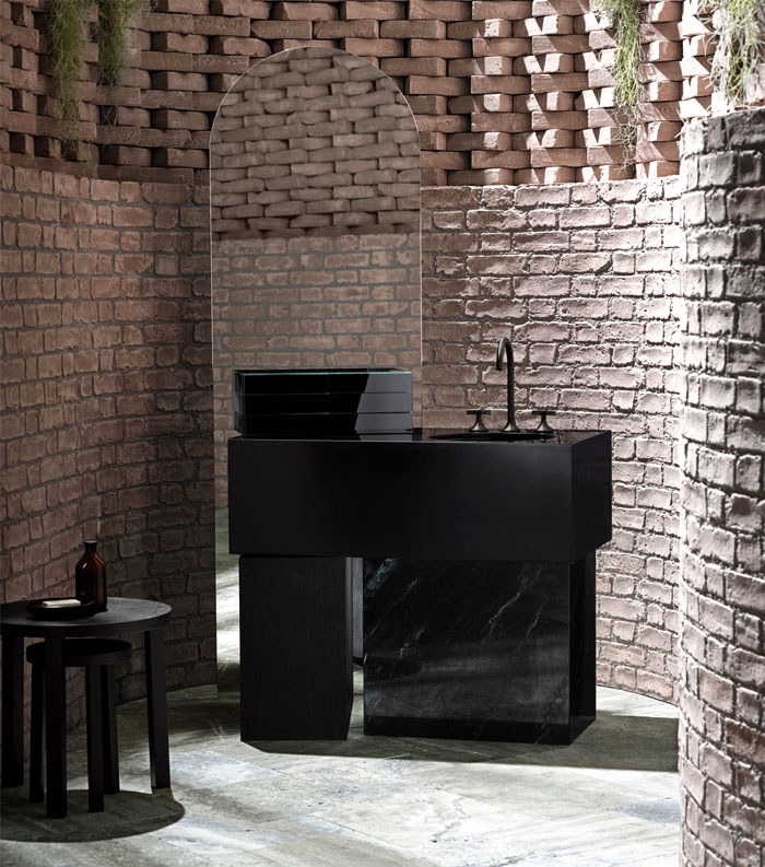 dark bathroom fixtures are on trend