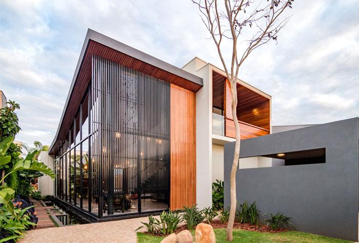 modern brazilian luxury home 16
