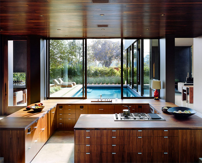 open concept g shaped kitchen