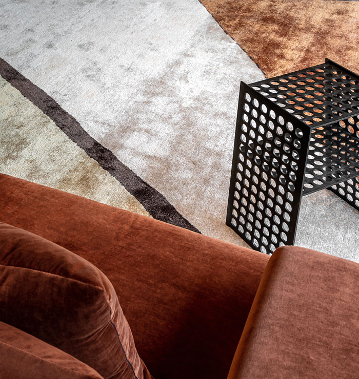 compact side table okha 7