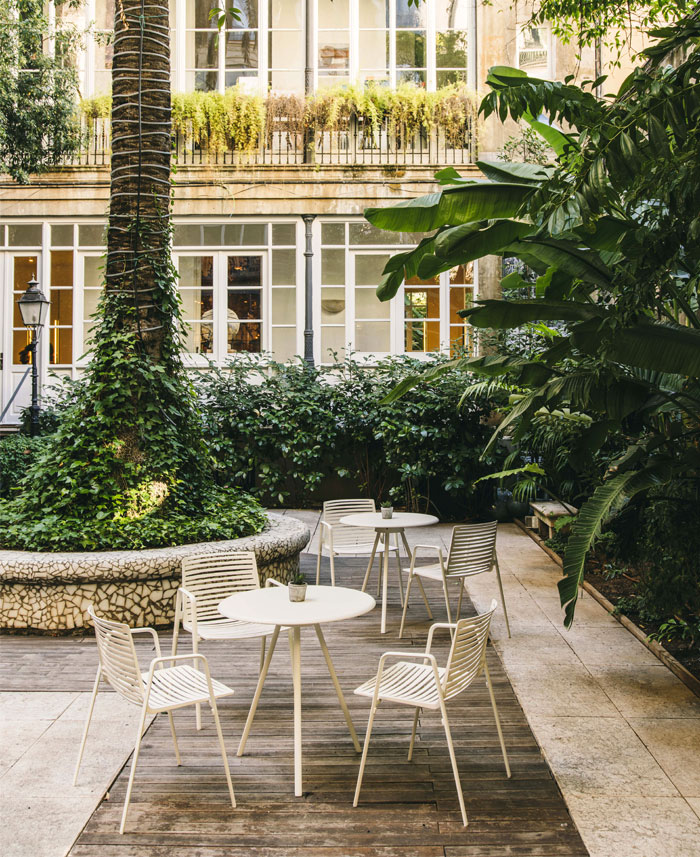 fast italian outdoor furniture manufacturer 12