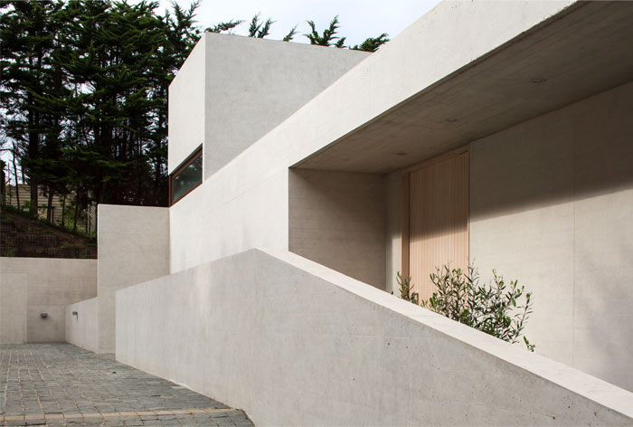 exposed concrete house chile 5