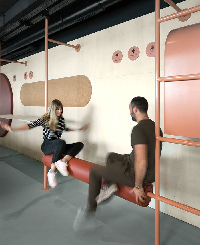 creative office arrangement encourages physical activities 2