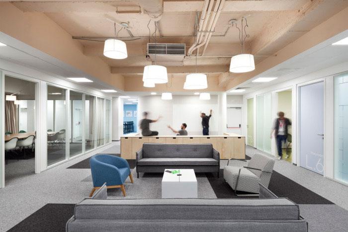 individual workstations multi purpose room 34