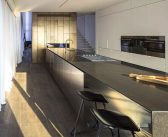 Home Full of Light, which Bounces on Luxurious Brass Surfaces