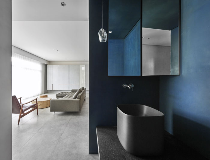 small scale apartment Waterfrom Design 17