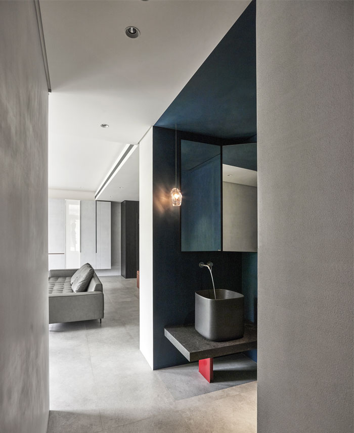 small scale apartment Waterfrom Design 18